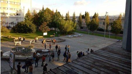 <span style='background:#EDF514'>FOCURI DE ARMA</span> la o universitate din Spania. Un barbat de 21 de ani a fost retinut
