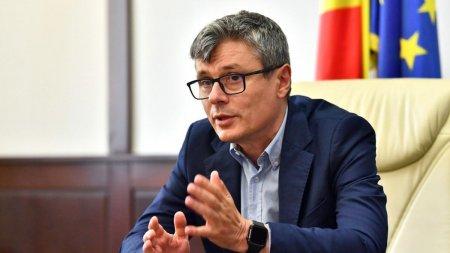 <span style='background:#EDF514'>VIRGIL</span> Popescu: Compensarea facturilor la energie electrica si gaze se va aplica de la 1 noiembrie 2021