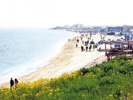 Romania plange dupa bani, dar <span style='background:#EDF514'>VAMA VECHE</span> este paradisul la negru. Turismul din <span style='background:#EDF514'>VAMA VECHE</span> - 2 Mai genereaza oficial doar 12 mil. lei intr-un an, cat un chiosc din Capitala. Bilantul sezonului estival 2021 arata o medie de 70 de turisti pe zi si incasari totale din turism de 2.000 de euro pe zi in <span style='background:#EDF514'>VAMA VECHE</span>