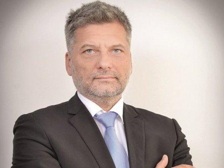 Emisiunea ZF Deschiderea de Astazi. Despre plasamentele private vs. IPO-uri, asimetria accesului la informatii, SIF-uri si falimentul <span style='background:#EDF514'>CITY INSURANCE</span>. Discutie cu avocatul Cristian Dutescu