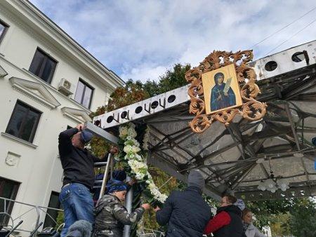 Sfanta Cuvioasa Parascheva, ocrotitoarea Moldovei. Cel mai mare pelerinaj ortodox are loc la Iasi