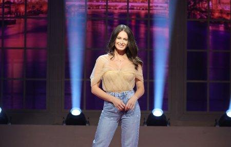 Cum il caracterizeaza Raluka pe Carla`s <span style='background:#EDF514'>DREAMS</span>, colegul ei de la SuperStar Romania. Cantaretul implineste luna aceasta 37 de ani