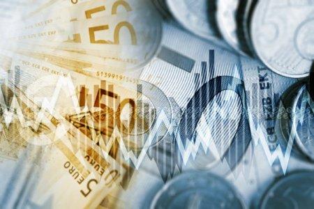 <span style='background:#EDF514'>DATORIA</span> externa totala a Romaniei a crescut cu 8,4 mld. euro in primele 8 luni, la 135 mld. euro. <span style='background:#EDF514'>DATORIA</span> publica directa a ajuns la 60,7 mld euro, plus 6% de la inceputul anului