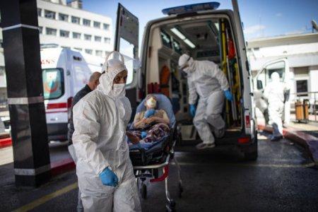 Trei tineri nevaccinati, cu comorbiditati, au murit la Iasi, Galati si <span style='background:#EDF514'>HARGHITA</span>, din cauza COVID-19