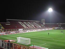 Ultimele retusuri la Stadionul Giulesti. S-a aprobat dotarea cu un sistem modern de jocuri de <span style='background:#EDF514'>LUMINI</span>