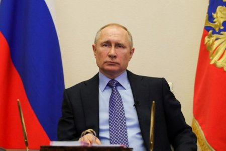 Vladimir Putin considera ca <span style='background:#EDF514'>BITCOIN</span> si celelalte criptomonede au dreptul sa existe si pot fi folosite ca metoda de plata. Rusia cauta alternative la dolar inca din 2014, de la anexarea agresiva a Crimeei