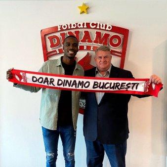 Dinamo l-a prezentat pe Espinosa