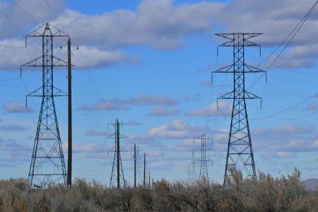 Importuri record de energie pentru Romania joi, dupa deconectarea unui <span style='background:#EDF514'>REACTOR</span> de la Cernavoda