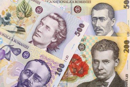 Ministerul de Finante a imprumutat joi de la banci suma de 600 milioane lei, printr-o <span style='background:#EDF514'>EMISIUNE DE OBLIGATIUNI</span> scadenta in 2030, la o dobanda anuala de 4,93%