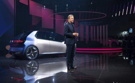 BMW este pregatit pentru interzicerea masinilor cu combustibil fosil mai devreme decat prevede noul proiect de lege al Uniunii Europene in privinta combaterii incalzirii <span style='background:#EDF514'>GLOB</span>ale