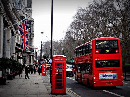 Londra sfideaza UE. Cum s-a ajuns pana aici