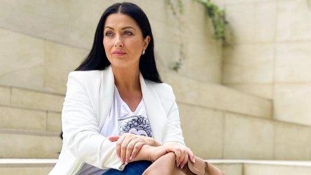 Prezentatoarea TV Gabriela <span style='background:#EDF514'>CRISTEA</span>, bolnava de COVID-19, desi este vaccinata: Nu am facut rabat de la masurile de precautie
