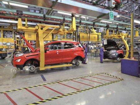 Analiza. Criza din auto: termenele de livrare pentru o masina ajung si la an din cauza crizei microcipurilor