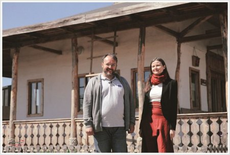 Afaceri de la Zero. Dana si Ion Georgescu dezvolta de zece ani proiectul Moara de Hartie la Comana, un <span style='background:#EDF514'>INCUBATOR</span> de afaceri mestesugaresti si sociale care a strans peste 40.000 de oameni