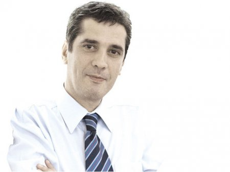 Iulian Anghel, ZF: Iohannis cel Mic