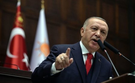 Turcia: Erdogan epureaza banca centrala de cei care s-au opus reducerilor de dobanzi