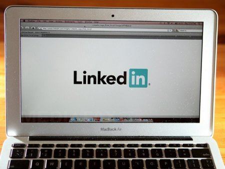 Micro<span style='background:#EDF514'>SOFT</span> inchide LinkedIn intr-una dintre cele mai puternice tari ale lumii