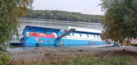 Pontonul din Tulcea inaugurat recent de Raluca Turcan s-a scufundat: Platforma lua apa din momentul inaugurarii