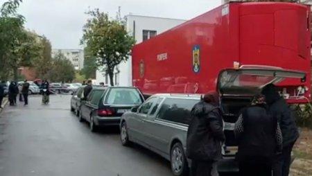Coada la morga Spitalului Judetean din Craiova. <span style='background:#EDF514'>RUDELE</span> a 29 de morti de Covid asteptau sa ridice trupurile VIDEO