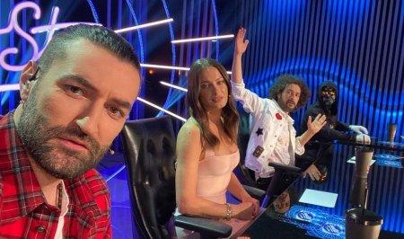 SuperStar Romania revine cu o noua editie, in aceasta seara. Sunt microfoane care accepta voci, dar sunt voci care cer microfoane