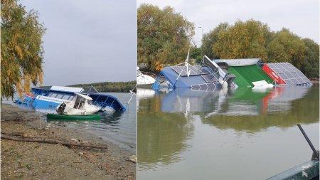 Pontonul inaugurat cu fast la Tulcea, scufundat dupa trei saptamani. Turcan: Nu imaginea este importanta in acest caz