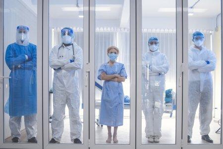 Medicii dintr-un spital din Romania demisioneaza de frica infectarii