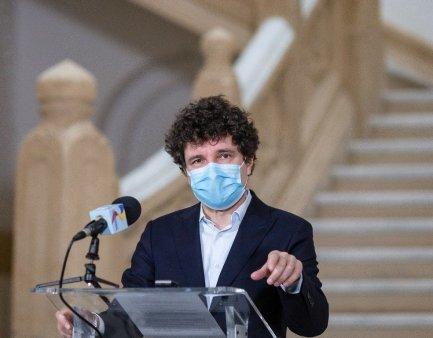 <span style='background:#EDF514'>NICUSOR</span> Dan se declara ingrijorat de numarul mare de cazuri COVID din Bucuresti
