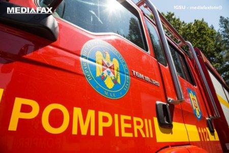 <span style='background:#EDF514'>POMPIERI</span>i, alertati cu privire la miros de fum intr-un salon de la UPU. 5 pacienti evacuati