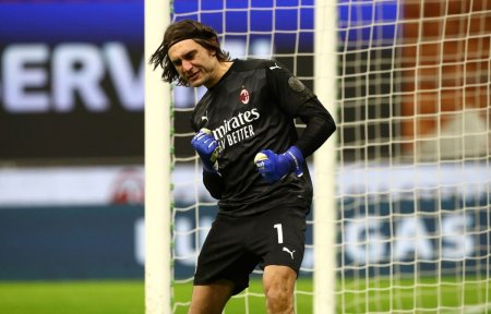 Antrenorul lui AC Milan a lamurit situatia lui Ciprian Tata<span style='background:#EDF514'>RUSANU</span>: E singurul sigur ca va fi titular! Un profesionst desavarsit