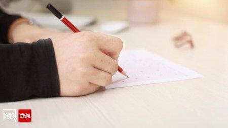 Concurs de directori cu intrebari de clasa a IV-a: Prin ce se aseamana manualul si culegerea?