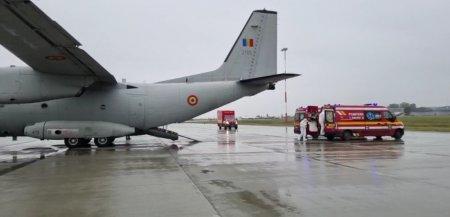 MApN: Doi pacienti cu COVID, in stare grava, transportati de la Bucuresti la Timisoara cu o aeronava militara