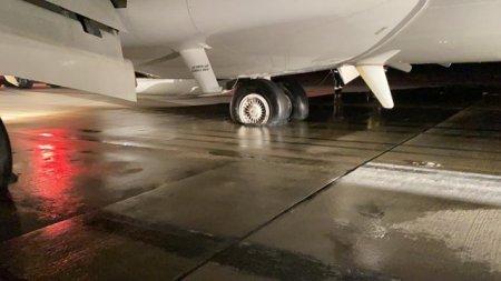 ULTIMA ORA: Incendiu la trenul de aterizare al unui avion pe Aeroportul din Cluj