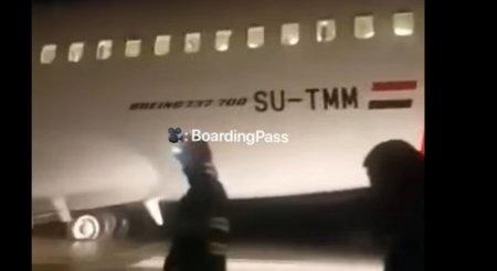 Alerta in Romania! Un avion a luat foc pe aeroportul din Cluj. Pompierii au intervenit de urgenta VIDEO