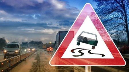 Doua alerte de vreme rea, in Romania. Ploua abundent pe mai multe tronsoane de drumuri nationale si aut<span style='background:#EDF514'>OSTRA</span>zi