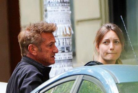 Actrita Leila George, sotia lui Sean Penn, cere divortul dupa un an de la <span style='background:#EDF514'>CASATORIE</span>
