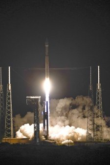 NASA lanseaza prima sonda spatiala dedicata studierii asteroizilor lui Jupiter