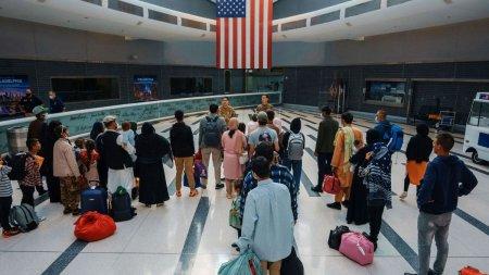 Statele Unite vor accepta ca turistii din strainatate sa fie vaccinati cu doze mixte