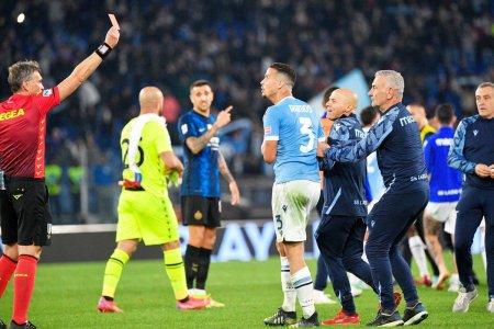 Scene uluitoare dupa Lazio - Inter! A sarit in spatele adversarului pentru a se bucura de victorie si aproape a provocat o bataie generala