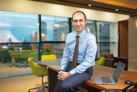 Business MAGAZIN. Cine este Mustafa Tiftikcioğlu, cel care a preluat conducerea bancii <span style='background:#EDF514'>GARANTI</span> BBVA Romania dupa 30 de ani in care a lucrat in sistemul bancar din Turcia