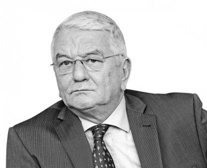 Business MAGAZIN. Ce spune Radu Furnica, primul headhunter din Romania, despre cel mai mare contract pe care l-a avut: Am luat 400.000 euro onorariu pentru gasirea unui CEO pentru o multinationala in Romania, care a avut un salariu brut de 1,2 mil. euro pe an. Cine sunt directorii de top pe care i-ar recomanda cu toata caldura clientilor
