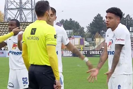 Gol controversat la Pitesti! Asistentul a ridicat initial fanionul, dar reusita a fost validata » Hagi, un car de nervi