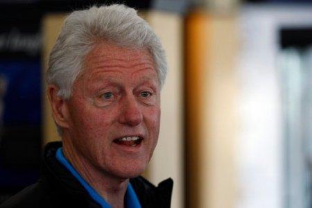 Fostul presedinte american Bill Clinton a fost externat, dupa ce a stat cinci nopti in spital