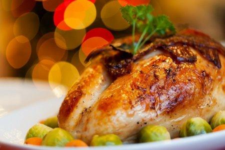 STUDIU Consumul de carne poate imbunatati sanatatea mintala, in timp ce vegetarianismul poate cauza depresie