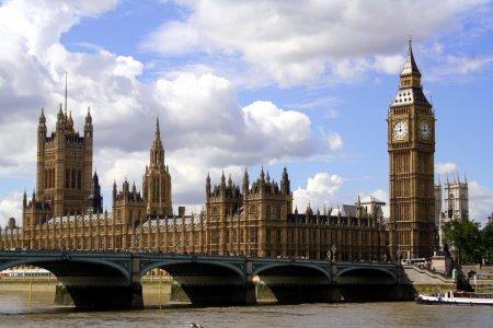 Cum se poate garanta securitatea parlamentarilor britanici, dupa asasinatul de saptamana trecuta
