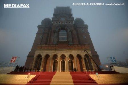 Theda Mar-Marmosim e onorata sa lucreze pentru Catedrala Neamului