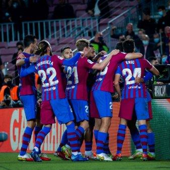 Barcelona revine de la 0-1 si castiga detasat cu <span style='background:#EDF514'>VALENCIA</span>. Kun Aguero la debut