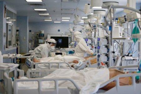 Doi pacienti COVID transferati in Ungaria au murit