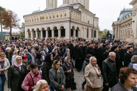Sfantul Dimitrie cel Nou, <span style='background:#EDF514'>SARBA</span>torit in Bucuresti cu masuri speciale. Ce conditii trebuie sa respecte oamenii