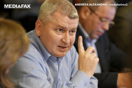 Florin Roman preia conducerea Ca<span style='background:#EDF514'>MEREI</span> Deputatilor pentru urmatoarele doua saptamani, dupa ce postul de presedinte a fost vacantat in urma demisiei lui Orban