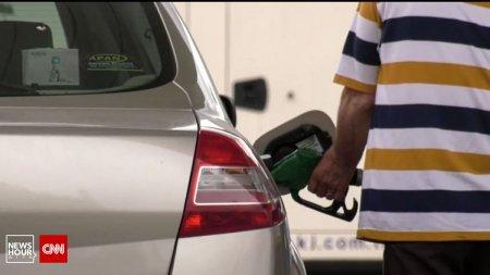 Carburantii premium, tot mai aproape de pretul istoric de 8 lei pe litru